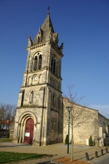 Eglise Saint-Pierre - English: Church of Saint Peter in Avensan (Gironde, France). National Heritage Site of France.