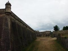 Citadelle de Blaye - Français:   Citadelle de Blaye (Gironde, France), construite au XVIIe siècle par l\'architecte militaire François Ferry sous la supervision de Vauban. Fortifications Est, avec échauguette. Voir aussi autre cliché.