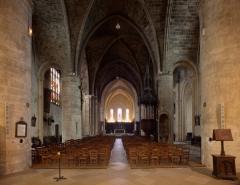 Eglise Saint-Seurin - English:  Bordeaux, Aquitaine, Gironde, France;; ref PM_094260_F_Bordeaux;; Photographer: Paul M.R. Maeyaert; www.pmrmaeyaert.eu; © Paul M.R. Maeyaert; pmrmaeyaert@gmail.com; Cultural heritage; Europeana; Europe/France/Bordeaux;