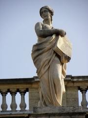 Grand théâtre - Grand-Théâtre de Bordeaux (33). Portique. Statue de Polymnie, muse de la rhétorique.