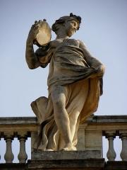 Grand théâtre - Grand-Théâtre de Bordeaux (33). Portique. Statue de Terpsichore, muse de la danse.