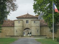 Château d'Issan - Français:   Porche
