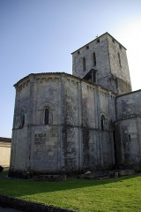 Eglise Saint-Saturnin - This building is indexed in the Base Mérimée, a database of architectural heritage maintained by the French Ministry of Culture, under the reference PA00083645 .