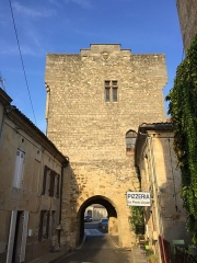Enceinte fortifiée - This building is indexed in the Base Mérimée, a database of architectural heritage maintained by the French Ministry of Culture,under the reference PA00083702 .