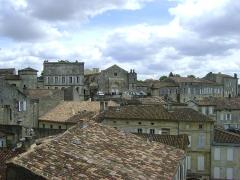 Ancien couvent des Cordeliers - Français:   Ancien couvent des Cordeliers de Saint-Emilion, Gironde. L\'Eglise du couvent au centre de l\'image.