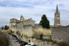 Remparts - English: Saint-Émilion city walls and monolithic church (Gironde, France). National Heritage Site of France.