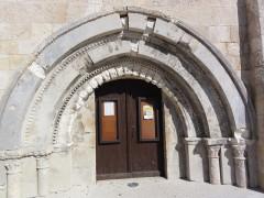 Eglise - English:   Saint-Martin-Lacaussade (Gironde) église, porche