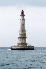 Phare de Cordouan - Phare de Cordouan. Vue depuis un bateau d'excursion. Estuaire de la Gironde (Gironde, Nouvelle-Aquitaine, France).