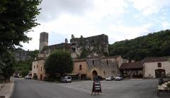 Ancien château - Français:   Château de Gavaudun (47).