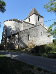 Eglise Saint-Sardos de Laurunque - Français:   Église Saint-Sardos de Laurenque, commune de Gavaudun (47). Chevet et flanc septentrional.