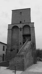 Tour - Français:   tour de sainte livrade