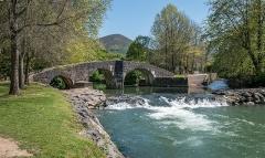 Pont sur la Nivelle dit Pont Romain - Español: Puente romano de Ascain, País Vasco, Francia