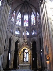 Cathédrale Notre-Dame - This building is indexed in the Base Mérimée, a database of architectural heritage maintained by the French Ministry of Culture,under the reference PA00084329 .
