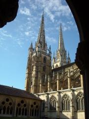 Cathédrale Notre-Dame - La cathédrale de Bayonne vue du cloître