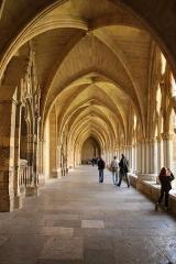 Cathédrale Notre-Dame - Couloir du cloître de la cathédrale Notre-Dame de Bayonne