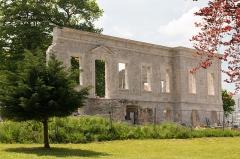 Château de Marracq -  North facade of the castle of Marracq, senen from the park.