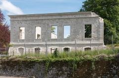 Château de Marracq -  West facade of the castle of Marracq, senen from the park.