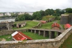 Citadelle - Rampe de l'ancienne entrée de la citadelle et panorama.