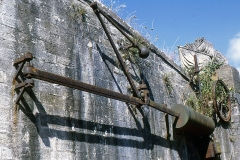Fortifications -  Mechanism for lifting the drawbridge of the Lautrec gateway.