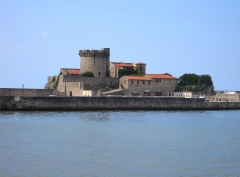Fort du Socoa - This building is indexed in the Base Mérimée, a database of architectural heritage maintained by the French Ministry of Culture, under the reference PA00084380 .