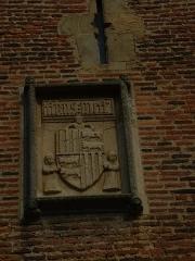 Château - Español: Escudo del Gastón Febus (Gastón III de Foix-Bearne) en el castillo de Montaner, Bearne, Francia, con la inscripción