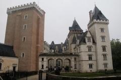 Domaine national du château de Pau ou château Henri IV - Entrée et cour d'honneur