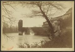 Vestiges d'un ancien pont -