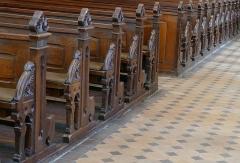 Abbaye -  Alsace, Bas-Rhin, Altorf, Église abbatiale Saint-Cyriaque (PA00084581, IA67011108). Bancs de fidèles.