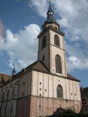 Ancienne résidence abbatiale dite hôpital Stolz-Grimm -  Église Saint-Pierre-et-Paul à Andlau (France, région Alsace).