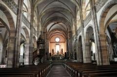 Ancienne résidence abbatiale dite hôpital Stolz-Grimm - Deutsch: Andlau, Kirche St.-Pierre-et-St.-Paul, Blick zum Chorraum