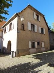 Immeuble (ancienne salle capitulaire) - Français:   Alsace, Bas-Rhin, Andlau, Salle capitulaire dite \