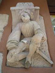 Maison - Français:   Pierre sculptée de la façade