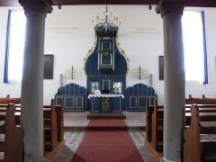 Eglise protestante -  Alsace, Bas-Rhin, Église protestante de Berg (PA00084611, IA67000743): Vue intérieure vers l'autel-chaire.