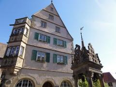 Hôtel de ville - This building is classé au titre des monuments historiques de la France. It is indexed in the base Mérimée, a database of architectural heritage maintained by the French Ministry of Culture,under the reference PA00084634 .