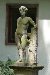 Jardin de l'Hôpital - Français:   Alsace, Bas-Rhin, Bouxwiller, Jardin de l'hôpital (XVIIIe), 3 rue du Canal (PA00084647, IA67009588).  Statue de Bacchus (1710):       This object is indexed in the base Palissy, database of the French furniture patrimony of the French ministry of culture,under the referenceIM67014034. беларуская (тарашкевіца)| brezhoneg| català| Deutsch| English| español| suomi| français| magyar| italiano| македонски| Plattdüütsch| português| українська| +/−