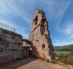 Ruines du château de Fleckenstein - English: Palas, Fleckenstein castle near Lembach, Bas-Rhin department, France