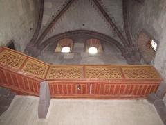 Ancienne abbaye bénédictine -  Alsace, Bas-Rhin, Neuwiller-lès-Saverne, Église abbatiale Saints-Pierre et Paul (PA00084820, IA67009917: Galerie de passage en bois.