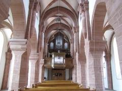 Eglise Saint-Adelphe -  Alsace, Bas-Rhin, Neuwiller-lès-Saverne, Église protestante Saint-Adelphe (PA00084821, IA67009915): Vue intérieure de la nef vers la tribune d'orgue.