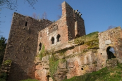 Ruines du château de Wasenbourg - This building is indexed in the Base Mérimée, a database of architectural heritage maintained by the French Ministry of Culture,under the reference PA00084830 .
