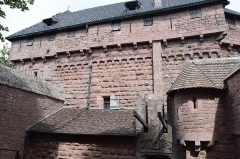 Château du Haut-Koenigsbourg (ou Hohenkoenigsbourg) - This building is classé au titre des Monuments Historiques. It is indexed in the Base Mérimée, a database of architectural heritage maintained by the French Ministry of Culture, under the references PA00084875   and IA00124535 .