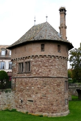 Château -  Alsace, Bas-Rhin, Osthoffen, Château (XVIe-XIXe) (PA00084877, IA67005654)>: donjon (XIXe).