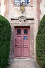 Château -  Alsace, Bas-Rhin, Osthoffen, Château (XVIe-XIXe) (PA00084877, IA67005654): Porte d'accès de la tourelle d'escalier.