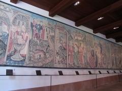 Monastère de Sainte-Odile, au Mont-Saint-Odile -  Alsace, Bas-Rhin, Ottrott, Couvent du Mont Sainte-Odile (PA00084884, IA00075612).    Porterie, Copie de la tapisserie