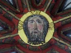 Eglise catholique de Reinacker -  Alsace, Bas-Rhin, Reutenbourg, Couvent de Reinacker, Église de la Vierge et de la Sainte-Croix (PA00084902, IA67007633): Clé de voûte gothique.