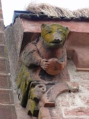 Ancienne église abbatiale -  Alsace, Bas-Rhin, Saint-Jean-Saverne, Église abbatiale Saint-Jean-Baptiste (PA00084921, IA00055618).  Corbeau