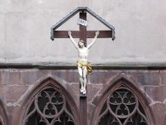 Ancien couvent des Récollets et église Saint-Antoine-de-Padoue -  Alsace, Bas-Rhin, Saverne, Cloître de l'Ancien Couvent des Récollets (PA00084955, IA00055457): Christ en Croix.