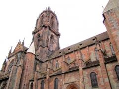 Ancienne cathédrale ou église Saint-Georges -  Alsace, Bas-Rhin, Sélestat, Église Saint-Georges (PA00084978, IA00124588).