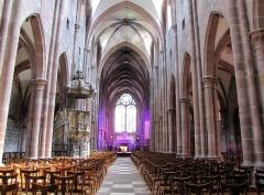 Ancienne cathédrale ou église Saint-Georges -  Alsace, Bas-Rhin, Sélestat, Église Saint-Georges (PA00084978, IA00124588): Vue intérieure de la nef vers le chœur.