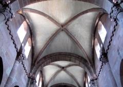 Eglise Sainte-Foy -  Alsace, Bas-Rhin, Sélestat, Église Sainte-Foy (PA00084981, IA00124586): Voûtes et croisées d'ogives de la nef.
