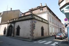 Hôtel de Chanlas - This building is classé au titre des monuments historiques de la France. It is indexed in the base Mérimée, a database of architectural heritage maintained by the French Ministry of Culture,under the references PA00084984   and IA00124639 .